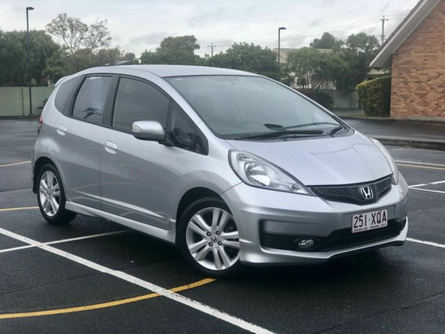 Used Honda Jazz GE MY13 Vibe-S, 2013 Honda Jazz GE MY13 Vibe-S Silver 5 Speed Automatic Hatchback