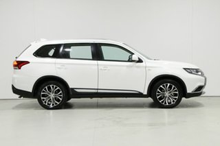 2018 Mitsubishi Outlander ZL MY18.5 ES 5 Seat (AWD) White Continuous Variable Wagon