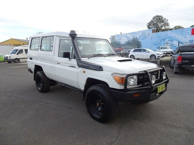 Used Toyota Landcruiser VDJ78R MY10 Workmate Troopcarrier, 2010 Toyota Landcruiser VDJ78R MY10 Workmate Troopcarrier White 5 Speed Manual Wagon