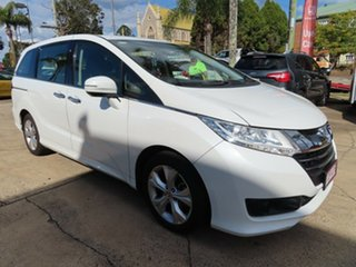 2014 Honda Odyssey VTi White Automatic Wagon.
