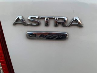2005 Holden Astra TS Classic White 4 Speed Automatic Sedan
