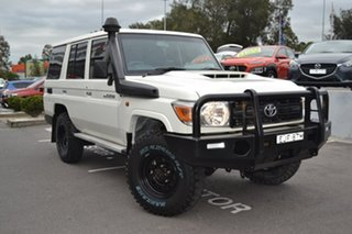 2017 Toyota Landcruiser VDJ76R Workmate White 5 Speed Manual Wagon.
