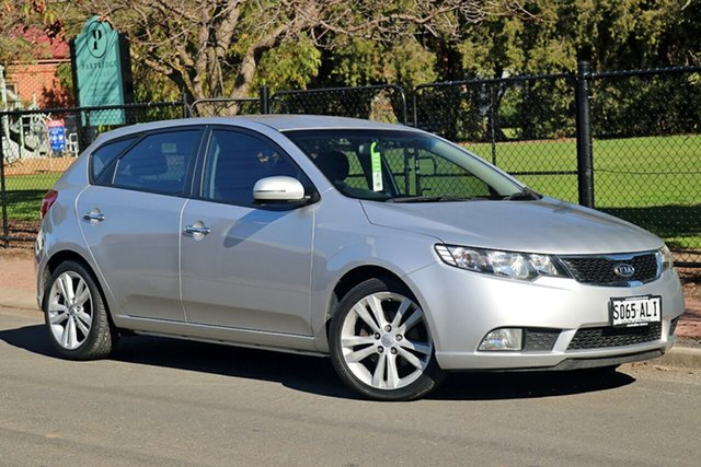 Used Kia Cerato TD MY11 SLi Glenelg, 2010 Kia Cerato TD MY11 SLi Silver 6 Speed Manual Hatchback
