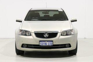 2011 Holden Calais VE II V Gold 6 Speed Automatic Sedan.