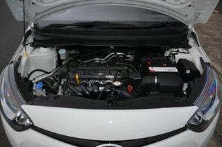 2015 Hyundai i20 PB MY14 Active White 6 Speed Manual Hatchback