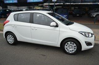 2015 Hyundai i20 PB MY14 Active White 6 Speed Manual Hatchback.