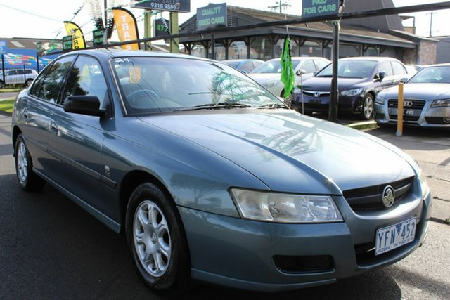 Used Holden Commodore VZ Executive West Footscray, 2004 Holden Commodore VZ Executive Blue 4 Speed Automatic Sedan