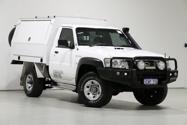 Used Nissan Patrol MY14 DX (4x4), 2014 Nissan Patrol MY14 DX (4x4) White 5 Speed Manual Leaf Cab Chassis