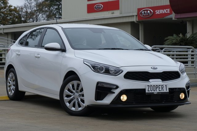 Used Kia Cerato BD MY19 S, 2019 Kia Cerato BD MY19 S White 6 Speed Sports Automatic Hatchback