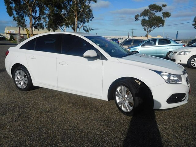 Used Holden Cruze JH Series II MY15 Equipe, 2015 Holden Cruze JH Series II MY15 Equipe White 5 Speed Manual Sedan
