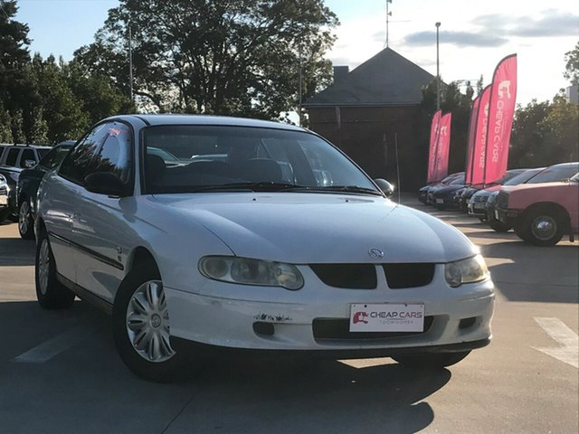 Used Holden Commodore VX II Executive, 2002 Holden Commodore VX II Executive White 4 Speed Automatic Sedan