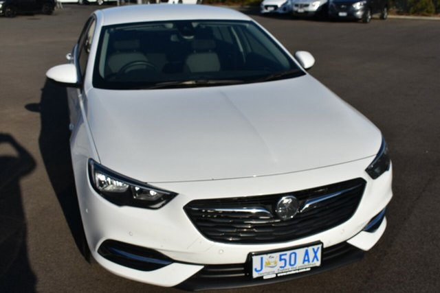 Used Holden Commodore ZB MY18 LT Liftback, 2018 Holden Commodore ZB MY18 LT Liftback Summit White 9 Speed Sports Automatic Liftback