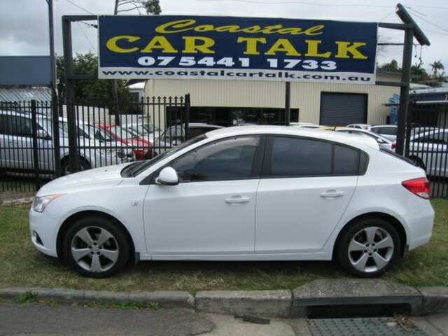 Used Holden Cruze JH MY13 CD Equipe, 2013 Holden Cruze JH MY13 CD Equipe White 5 Speed Manual Hatchback