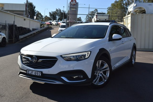 Used Holden Calais ZB MY18 Tourer AWD, 2018 Holden Calais ZB MY18 Tourer AWD White 9 Speed Sports Automatic Wagon
