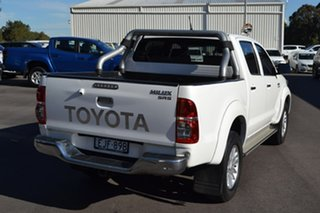 2015 Toyota Hilux KUN26R MY14 SR5 Double Cab White 5 Speed Automatic Utility