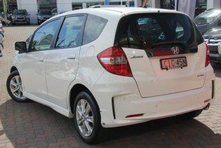 2012 Honda Jazz GE MY12 VTi White 5 Speed Automatic Hatchback.