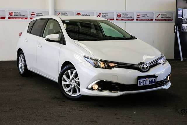 Used Toyota Corolla ZRE182R MY17 Ascent Sport, 2018 Toyota Corolla ZRE182R MY17 Ascent Sport Crystal Pearl 7 Speed CVT Auto Sequential Hatchback