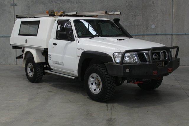 Used Nissan Patrol Y61 Series 5 MY15 DX, 2015 Nissan Patrol Y61 Series 5 MY15 DX White 5 speed Manual Cab Chassis