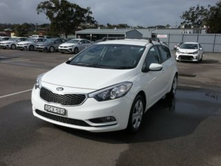 2015 Kia Cerato YD MY16 S White 6 Speed Sports Automatic Hatchback.