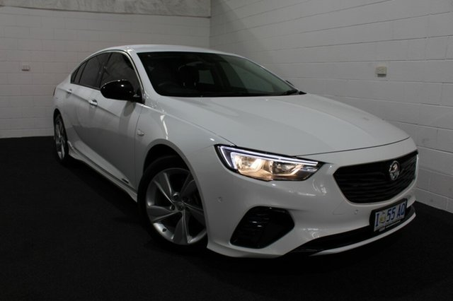 Used Holden Commodore ZB MY18 RS-V Liftback AWD, 2018 Holden Commodore ZB MY18 RS-V Liftback AWD Summit White 9 Speed Sports Automatic Liftback