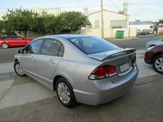 2009 Honda Civic 8th Gen MY09 VTi Silver 5 Speed Manual Sedan.