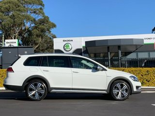 2020 Volkswagen Golf 7.5 MY20 Alltrack DSG 4MOTION 132TSI Premium White 6 Speed.