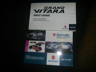 2012 Suzuki Grand Vitara JB MY13 Urban 2WD White 5 Speed Manual Wagon.