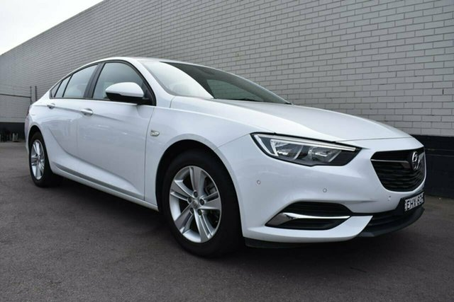 Used Holden Commodore ZB MY18 LT Liftback Cardiff, 2018 Holden Commodore ZB MY18 LT Liftback White 9 Speed Sports Automatic Liftback