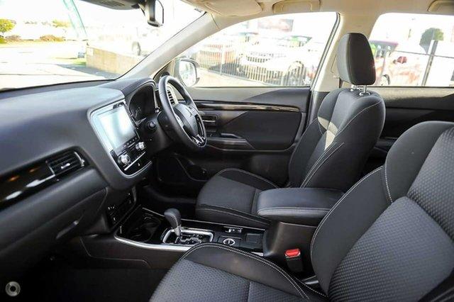 Demo Mitsubishi Outlander  , ES 2.4 Ptrl CVT AWD 7s Wa