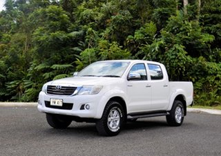 2015 Toyota Hilux Deluxe White Manual Dual Cab.