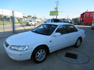 1998 Toyota Vienta MCV20R VXi White 4 Speed Automatic Sedan.