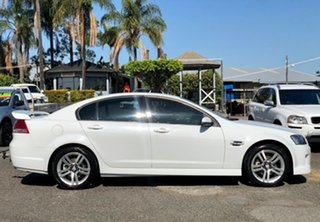 2007 Holden Commodore VE SV6 White 5 Speed Sports Automatic Sedan.