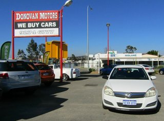 2007 Holden Astra AH MY07 CD White 5 Speed Manual Hatchback.