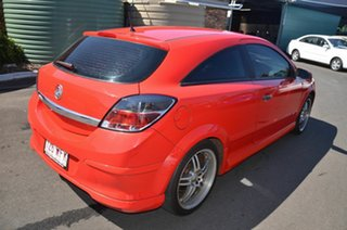 2006 Holden Astra AH MY07 CD Red 5 Speed Manual Coupe.