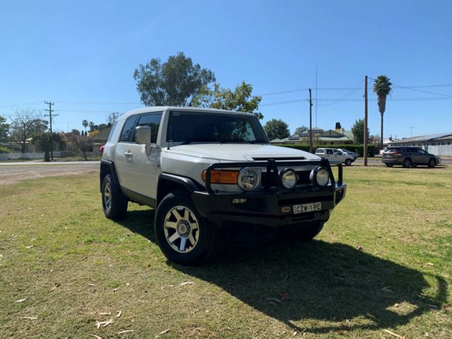 Used Toyota FJ Cruiser GSJ15R MY14 , 2015 Toyota FJ Cruiser GSJ15R MY14 French Vanilla 5 Speed Automatic Wagon
