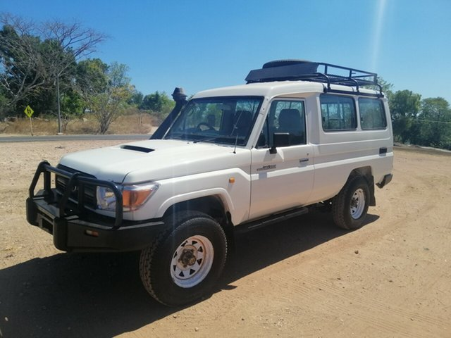 Used Toyota Landcruiser VDJ78R MY12 Update Workmate (4x4) 11 Seat Parap, 2015 Toyota Landcruiser VDJ78R MY12 Update Workmate (4x4) 11 Seat White 5 Speed Manual TroopCarrier