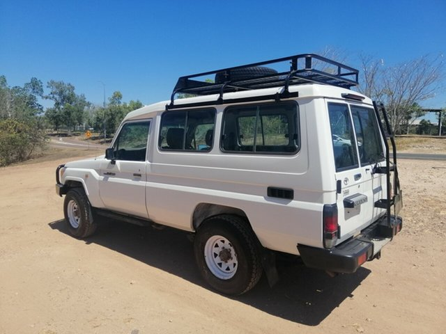 Used Toyota Landcruiser VDJ78R MY12 Update Workmate (4x4) 11 Seat, 2015 Toyota Landcruiser VDJ78R MY12 Update Workmate (4x4) 11 Seat White 5 Speed Manual TroopCarrier
