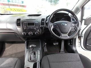 2015 Kia Cerato White 4 Speed Automatic Hatchback