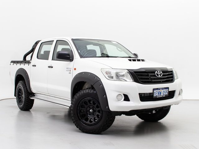 Used Toyota Hilux KUN26R MY12 SR (4x4), 2014 Toyota Hilux KUN26R MY12 SR (4x4) White 5 Speed Manual Dual Cab Chassis