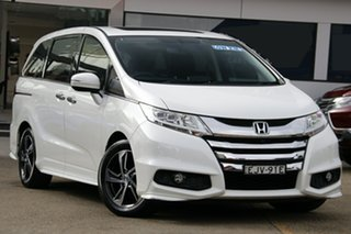 2015 Honda Odyssey RC MY16 VTi-L White Continuous Variable Wagon.
