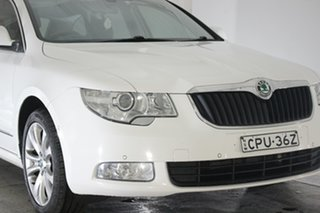 2012 Skoda Superb 3T MY13 Elegance DSG 118TSI White 7 Speed Sports Automatic Dual Clutch Wagon.
