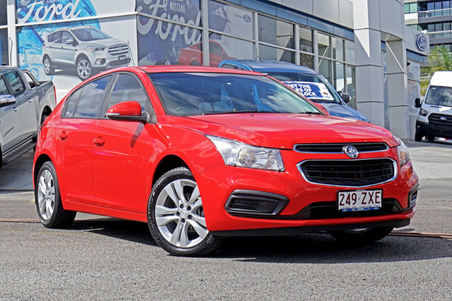 Used Holden Cruze JH Series II MY15 Equipe, 2015 Holden Cruze JH Series II MY15 Equipe Red 5 Speed Manual Hatchback