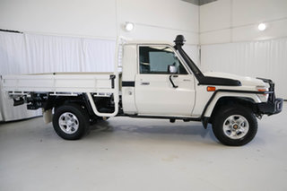 2015 Toyota Landcruiser VDJ79R GXL White 5 Speed Manual Cab Chassis.