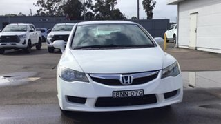 2010 Honda Civic 8th Gen MY10 VTi White 5 Speed Manual Sedan.