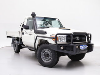 2017 Toyota Landcruiser VDJ79R MY18 Workmate (4x4) White 5 Speed Manual Cab Chassis.