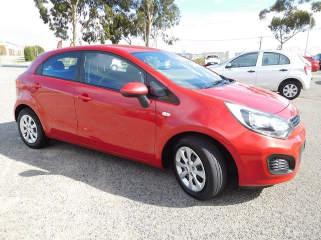 Used Kia Rio UB MY13 S, 2013 Kia Rio UB MY13 S Red 6 Speed Manual Hatchback
