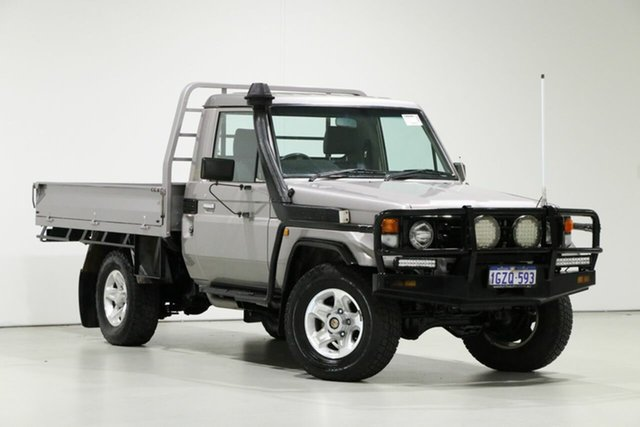 Used Toyota Landcruiser HDJ79R (4x4), 2005 Toyota Landcruiser HDJ79R (4x4) Silver 5 Speed Manual 4x4 Cab Chassis