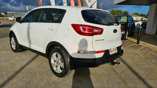 2010 Kia Sportage S White 5 Speed Manual Hatchback.
