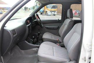 2002 Mazda B2500 Bravo DX Cab Plus (4x4) White 5 Speed Manual 4x4 Cab Chassis