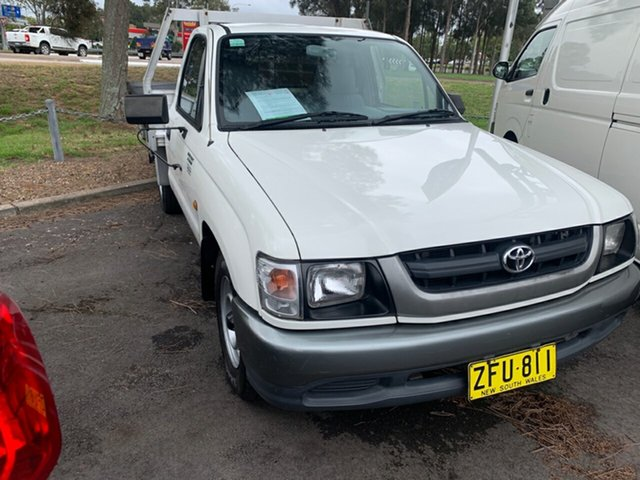 Used Toyota Hilux RZN149R MY02 4x2, 2004 Toyota Hilux RZN149R MY02 4x2 White 5 Speed Manual Cab Chassis